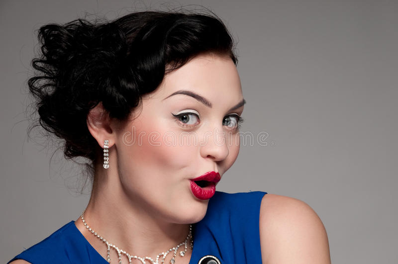 Emotionale Zauberfrau Mit Den Roten Lippen. Mode Stockfoto