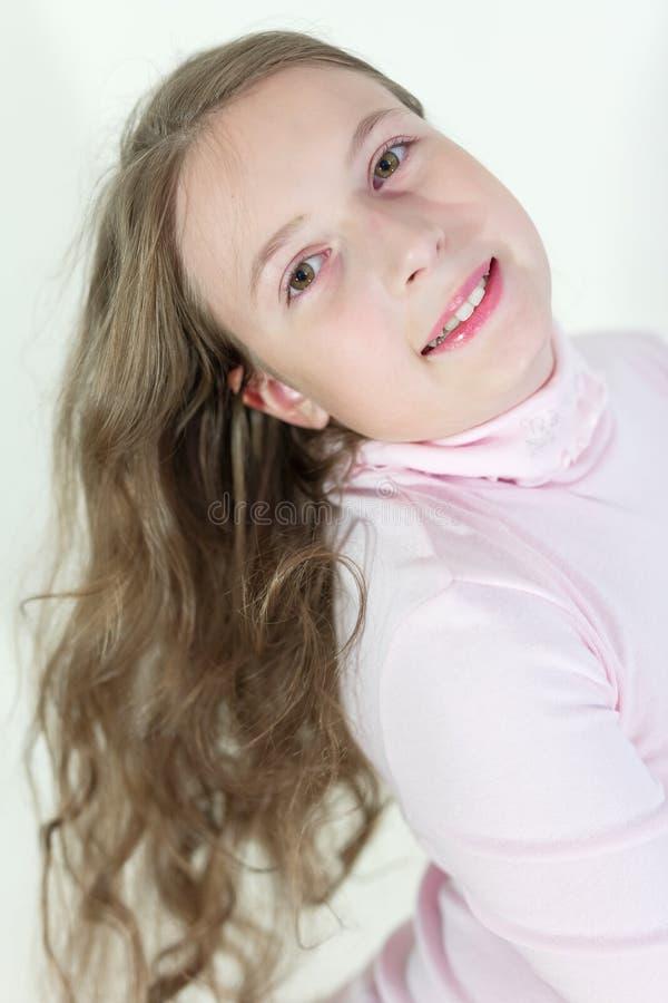 Emotionell stående för gullig tonårig flicka royaltyfria foton