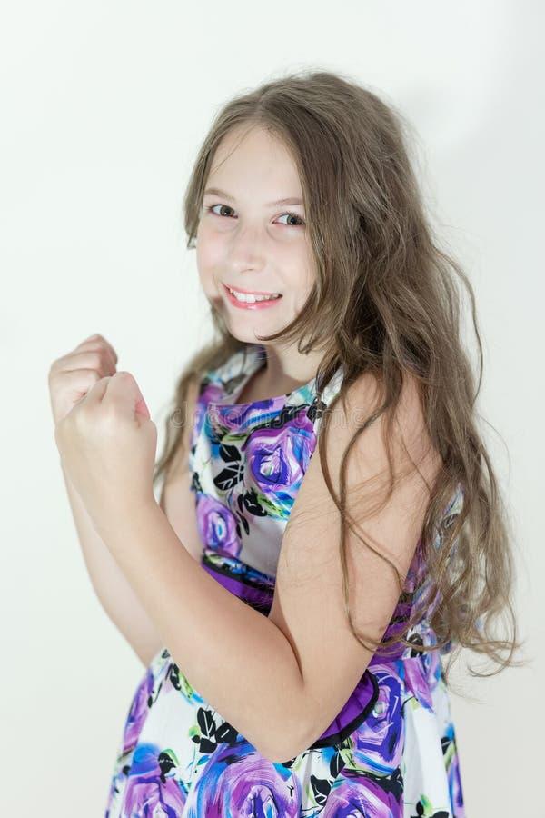 Emotionell stående för gullig tonårig flicka royaltyfri fotografi