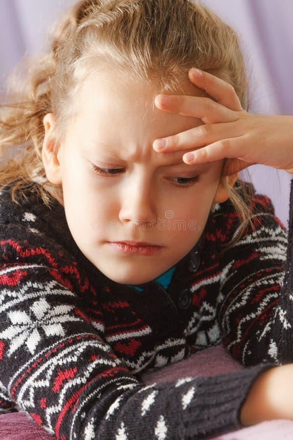 Emotionellt barn royaltyfri fotografi