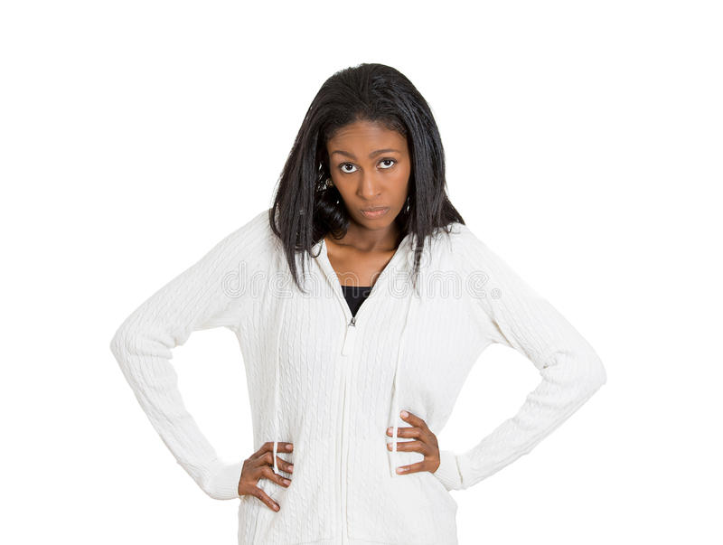 Empörte verärgerte Frau mit schlechter Haltung lokalisierte weißen Hintergrund stockbilder