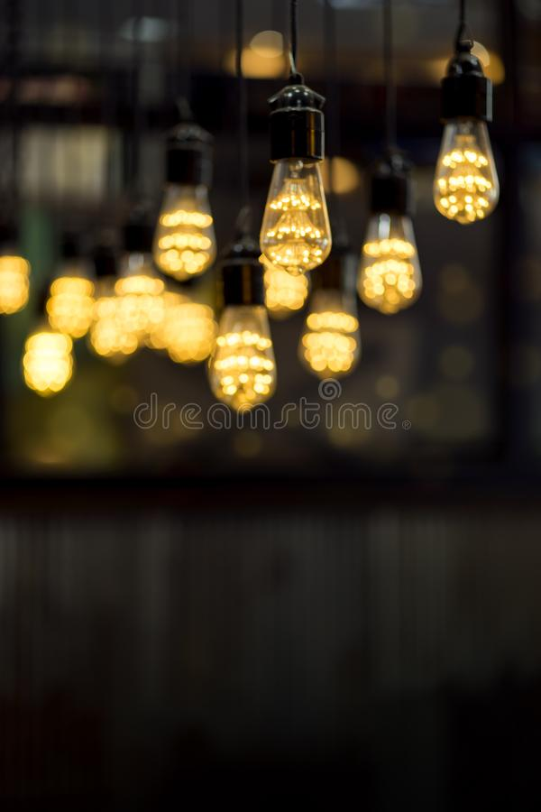 Empañado de encender la decoración de la ejecución de la lámpara del techo con el espacio de la copia fotografía de archivo