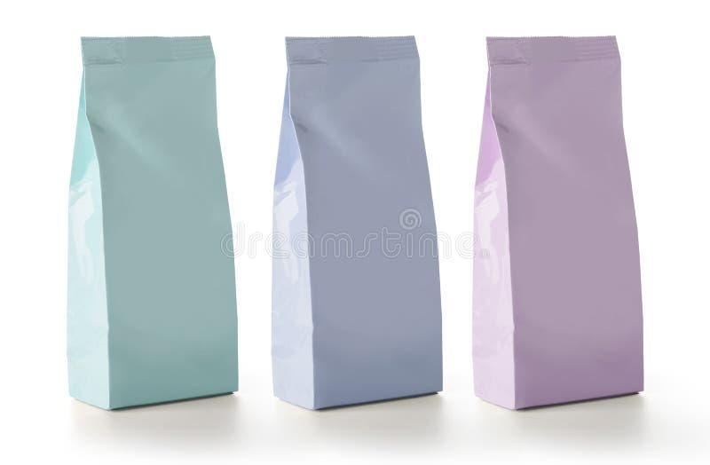 Empacotamento vazio dos sacos do saquinho do petisco do alimento da folha imagem de stock royalty free