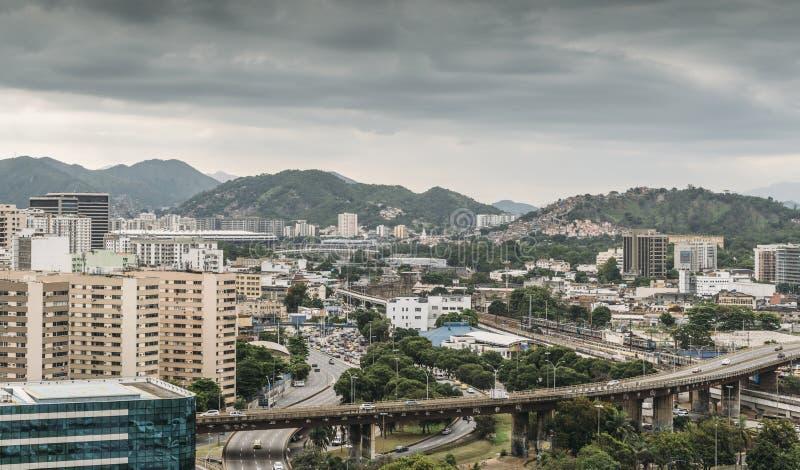 Empalmes ocupados de la carretera en Rio de Janeiro, el Brasil imágenes de archivo libres de regalías