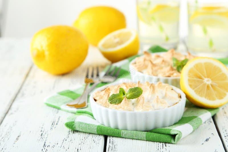 Empanada de merengue de limón foto de archivo