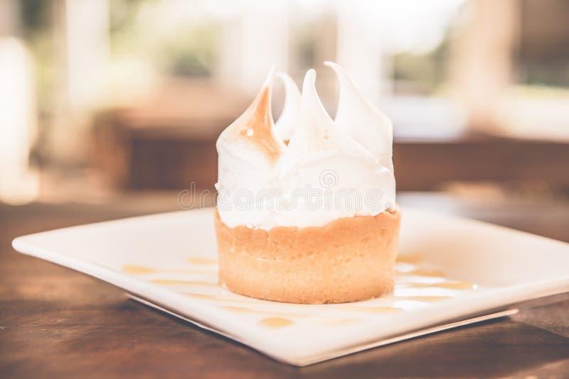 Empanada de merengue de limón imágenes de archivo libres de regalías