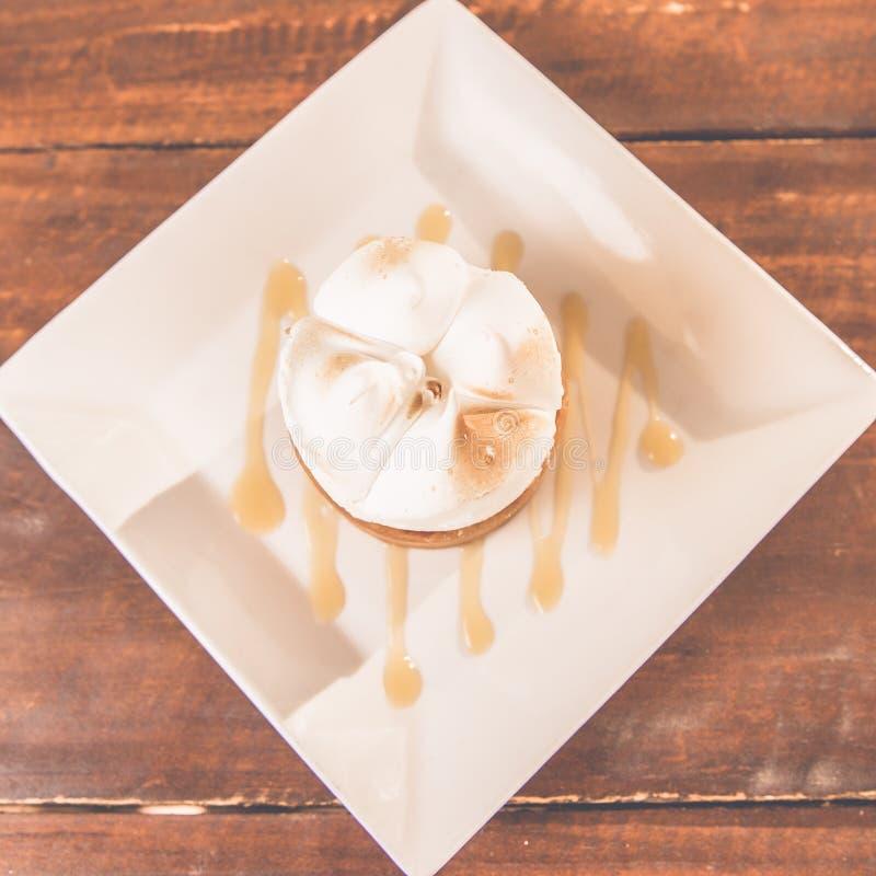 Empanada de merengue de limón imagen de archivo