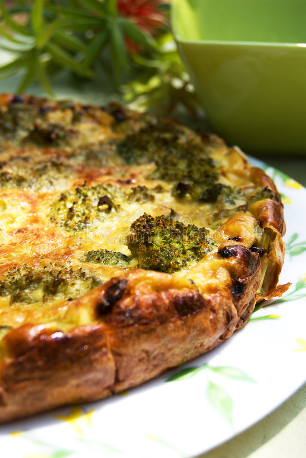 Empanada del bróculi. foto de archivo