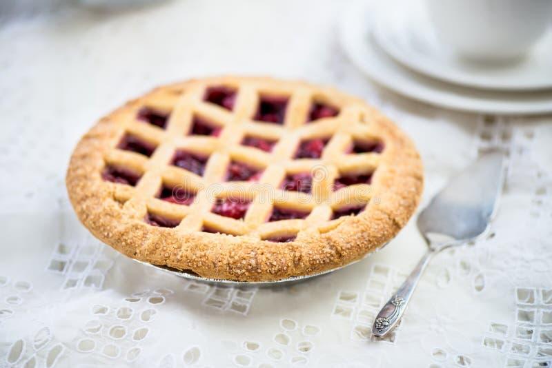 Empanada del enrejado de Apple, de la fresa y de Blackberry foto de archivo