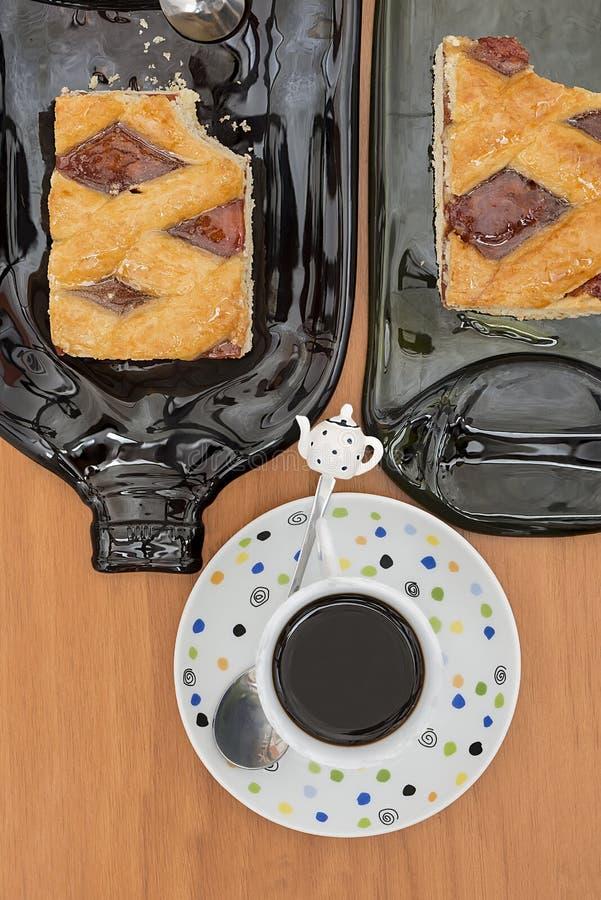 Empanada del membrillo, corte, receta del italiano y de Argentina nombrada fotos de archivo libres de regalías
