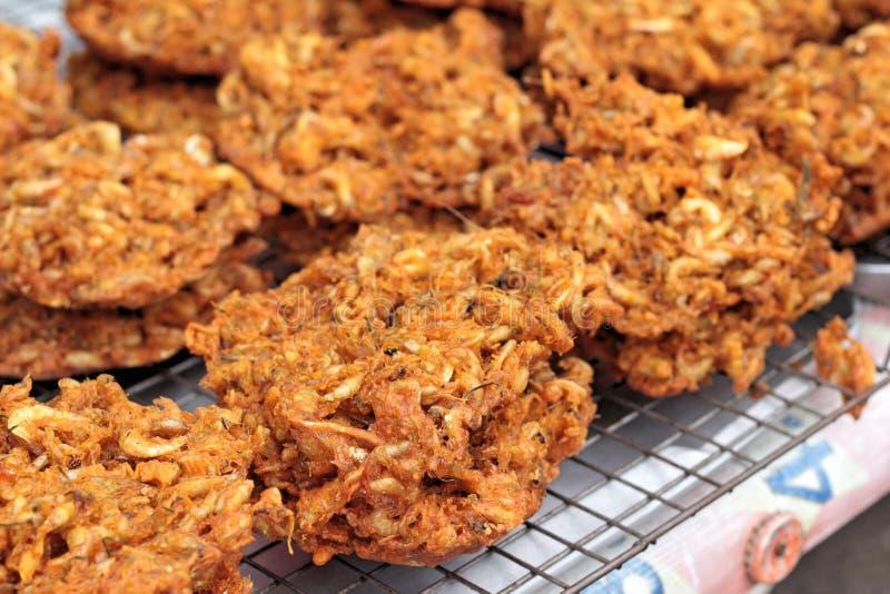 Empanada frita del camarón en el mercado imagen de archivo libre de regalías