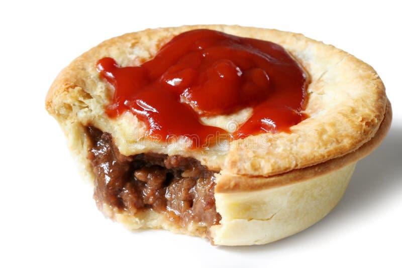 Empanada y salsa australianas de carne imagen de archivo