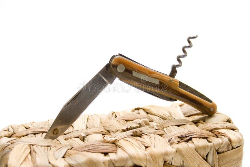 Empaqueta el cuchillo en cesta imágenes de archivo libres de regalías