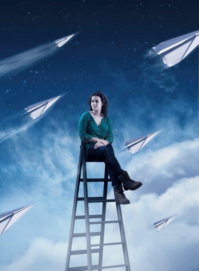 Empaquetez les avions dans le ciel photographie stock libre de droits