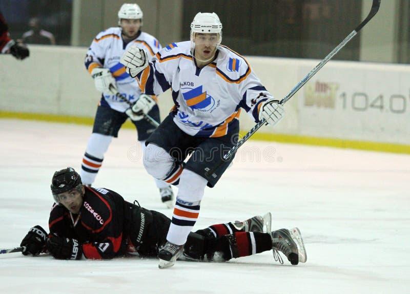 Emparejamiento del hockey sobre hielo de Kharkov- Donbass foto de archivo