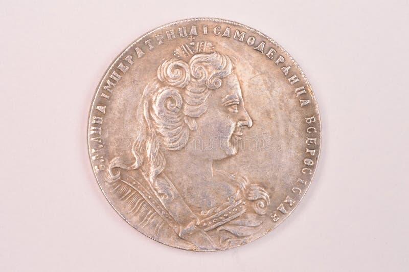 Emperatriz de plata antigua Anna Autocrat del ruso de la moneda 1730 de la rublo de toda la Rusia imágenes de archivo libres de regalías
