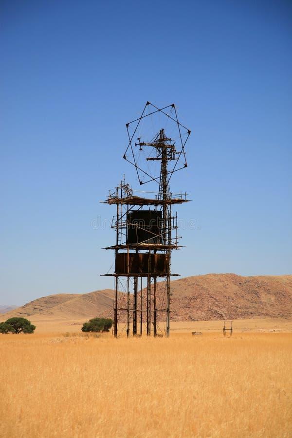 Empfänger in der Wüste lizenzfreie stockfotografie