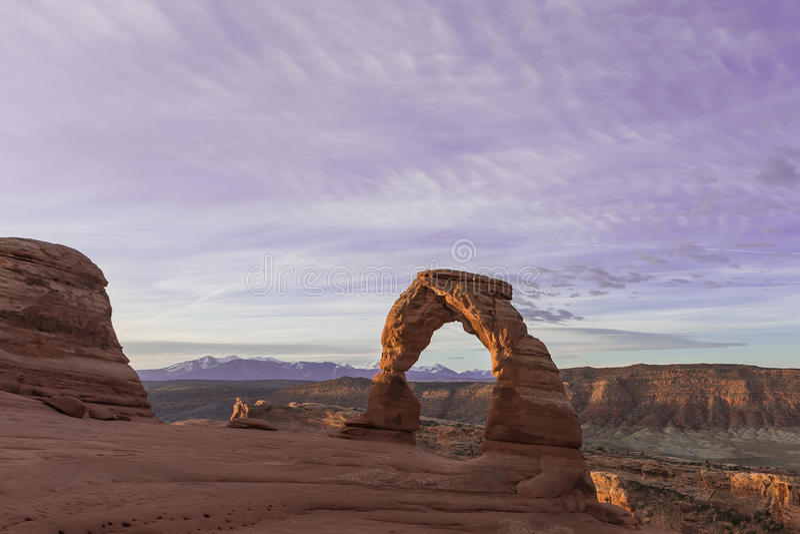 Empfindlicher Bogen im Bogen-Nationalpark nahe Moab, Utah stockfotos