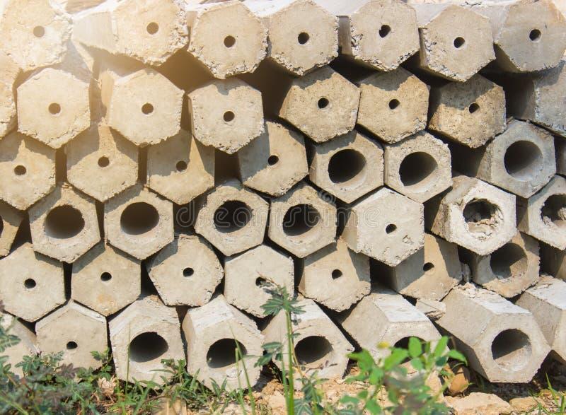 Empilhado da estaca concreta da pilha, usado na construção imagens de stock