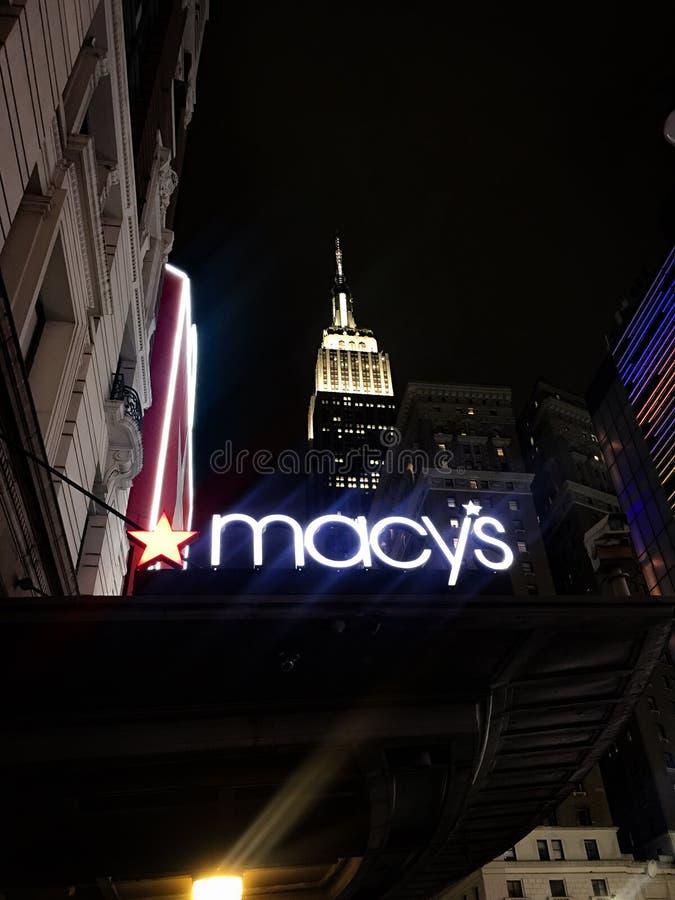 Empire State Building et Macys image stock