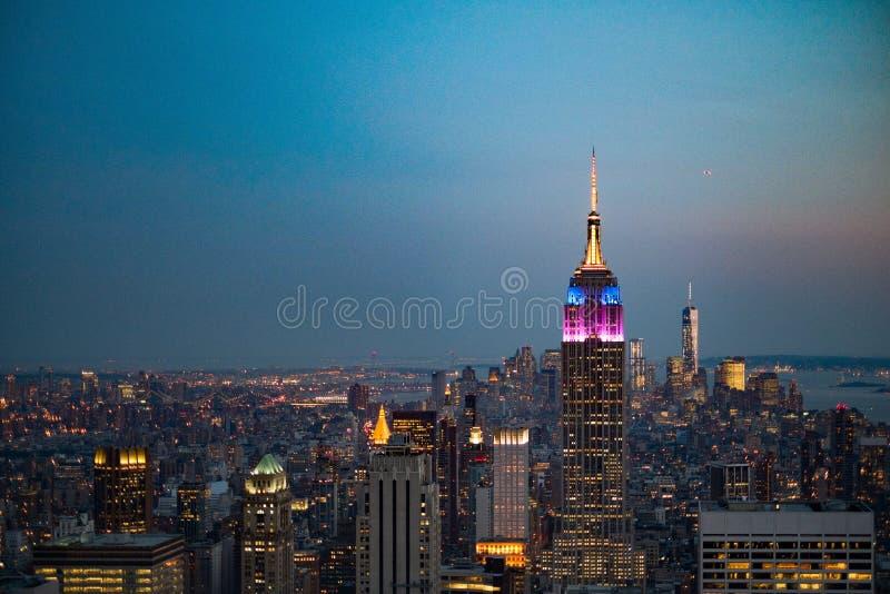 Empire State Building Nowy Jork przy półmrokiem obraz stock