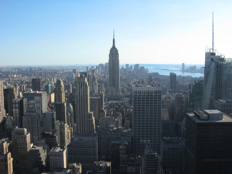 Empire State Building und New York City lizenzfreie stockfotos