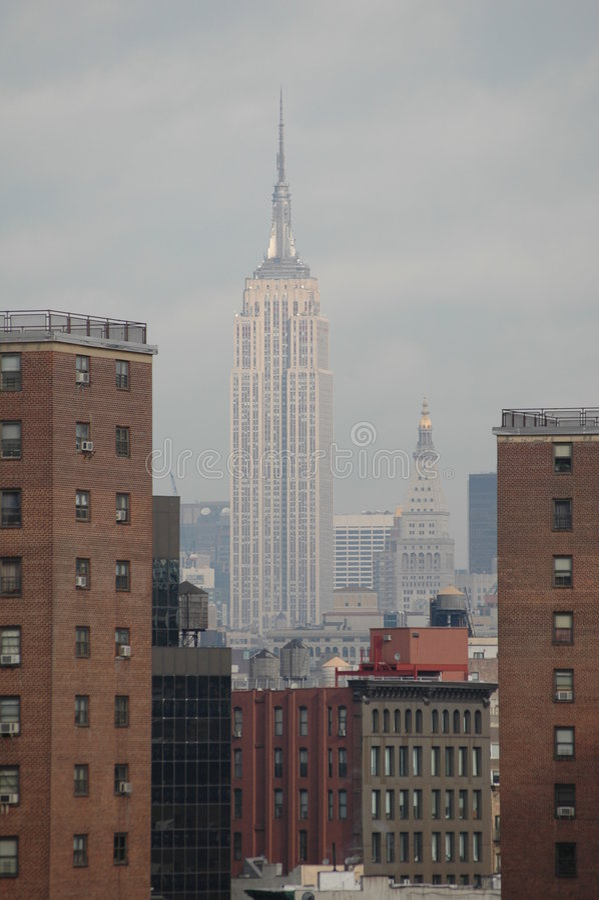 Empire State Buildingkontrast lizenzfreies stockfoto