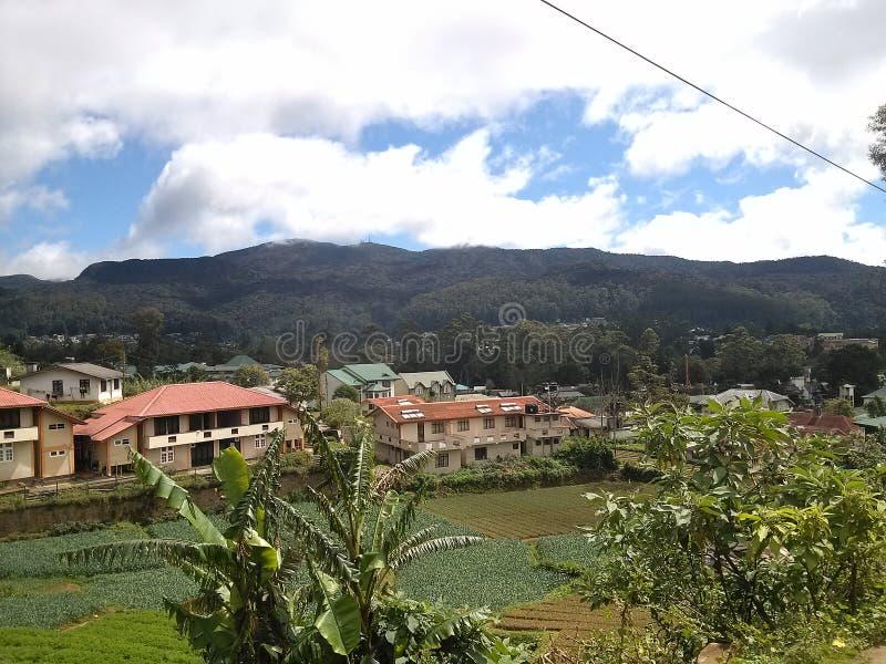 Emplacement dans le surrondig de village photos libres de droits