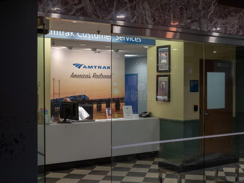 Emplacement de service client d'Amtrak dans la station des syndicats photographie stock