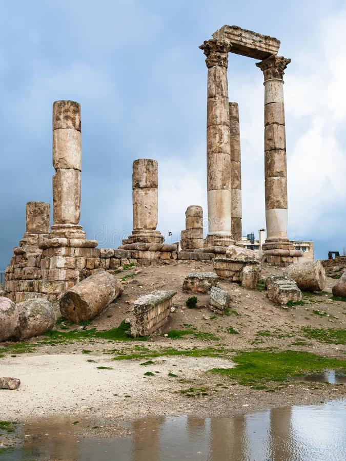 Emple van Hercules bij Amman Citadel in regenachtige dag royalty-vrije stock afbeelding