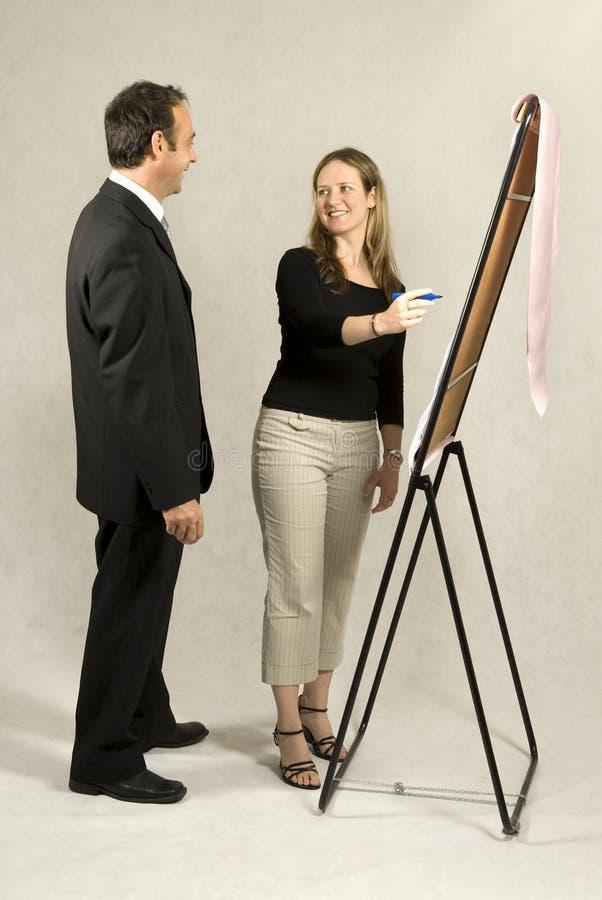 Employé présentant l'exposé photos libres de droits
