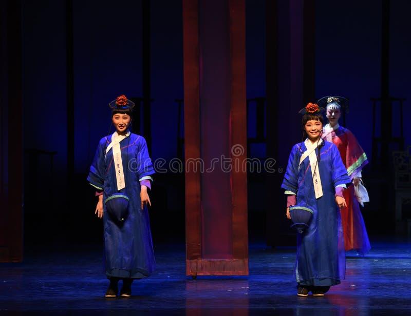 Empregada de mesa-abertura pequena as primeiras imperatrizes ato-modernas do drama no palácio imagens de stock