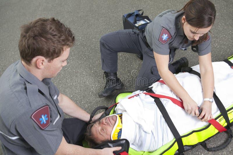 Empregado do paramédico foto de stock