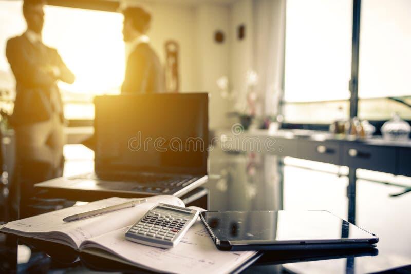 Empregador dois no escritório fotografia de stock royalty free