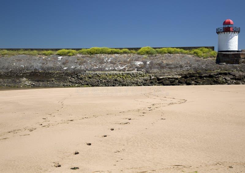 Download Empreintes De Pas Dans Le Sable, Phare, Port Burry Photo stock - Image du bristol, canal: 56482040