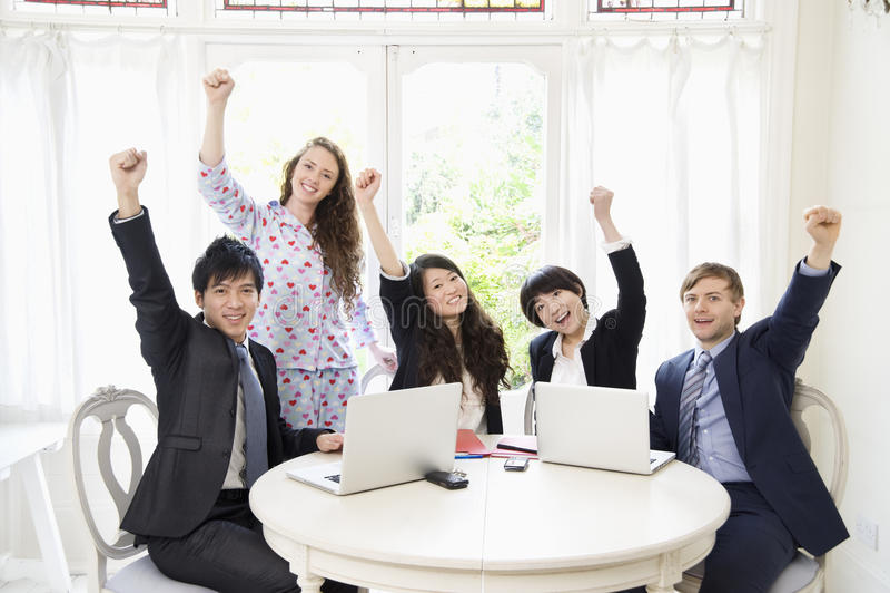 Empresários entusiasmado imagens de stock royalty free