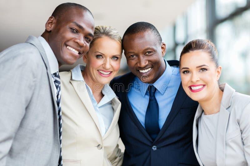 Empresários multirraciais imagens de stock