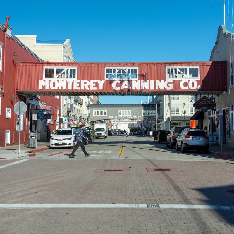 Empresa de colocação em latas de Monterey vista da rua pública fotos de stock