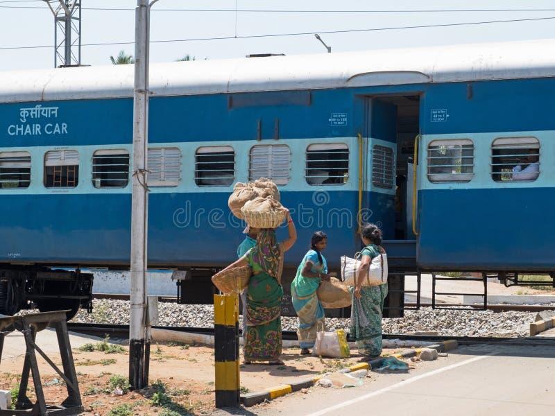 Empresa en el ferrocarril indio imagen de archivo libre de regalías