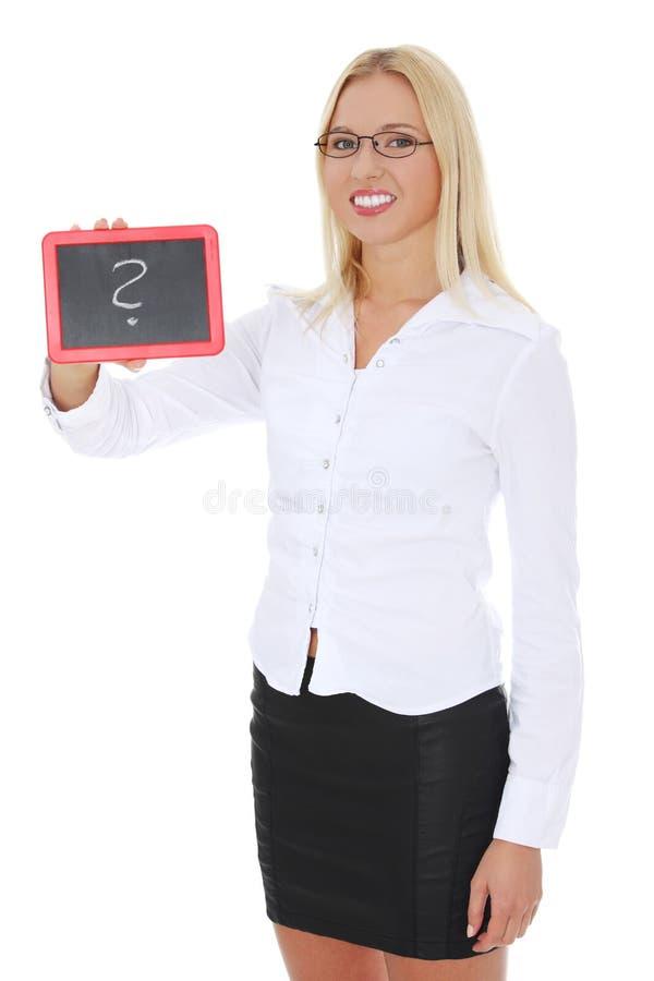 Empresaria feliz que lleva a cabo a la tarjeta negra fotos de archivo libres de regalías