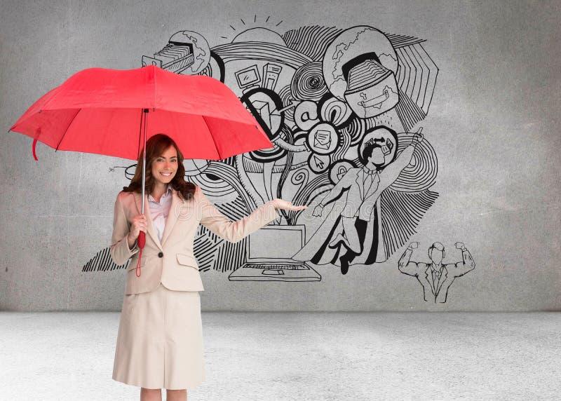 Empresaria feliz que sostiene el paraguas foto de archivo