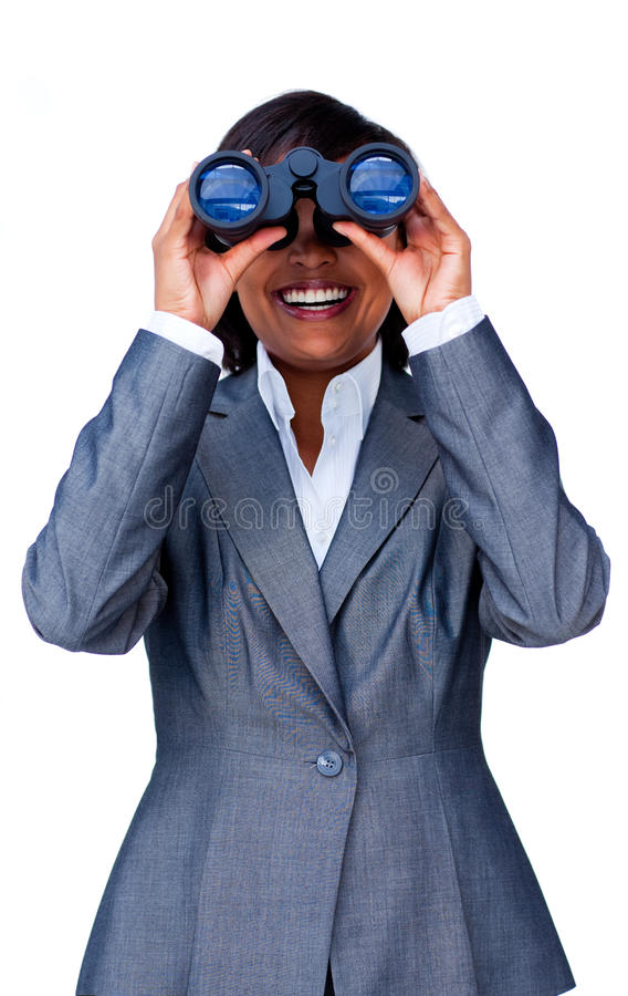 Empresaria hispánica joven que usa los prismáticos fotos de archivo libres de regalías