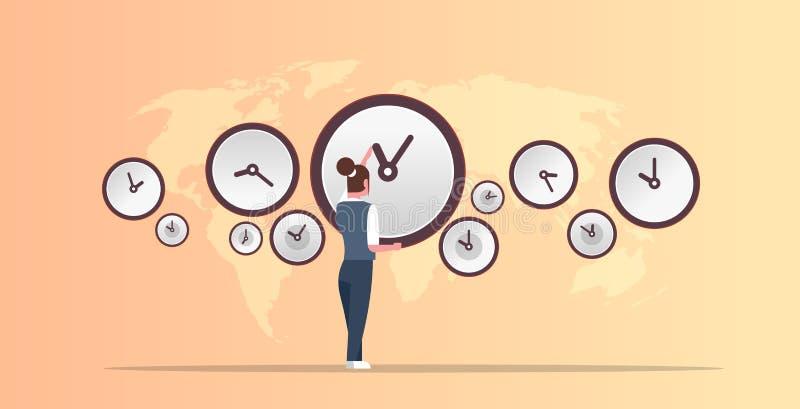 Empresaria que señala en la pared con diverso fondo del mapa del mundo del concepto del plazo de la gestión de tiempo de las ci stock de ilustración