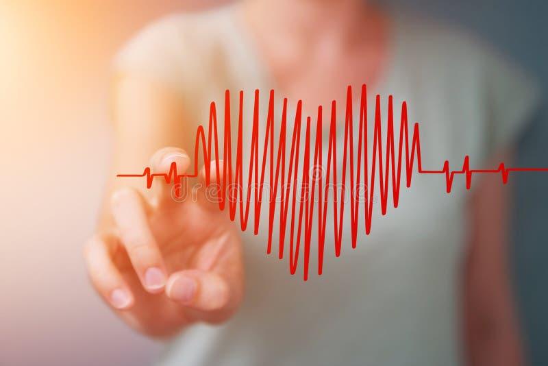 Empresaria que toca y que lleva a cabo bosquejo del golpe de corazón ilustración del vector