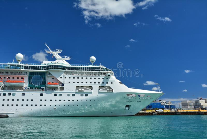 Empress Of The Seas Ship Editorial Photo Image Of Passenger - Empress of the seas cruise ship