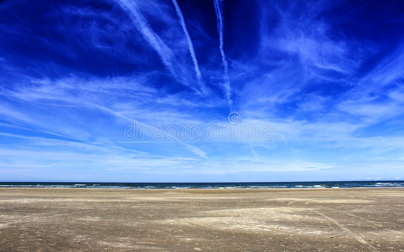 Download Empty beach stock image. Image of nature, empty, skyline - 26134175