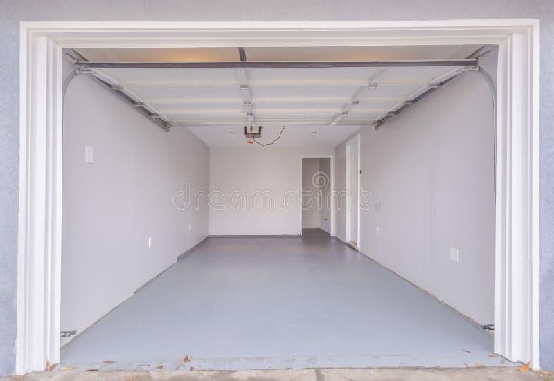 Download Empty Clean Garage In San Diego California Stock Photo - Image of california, interior: 95239552