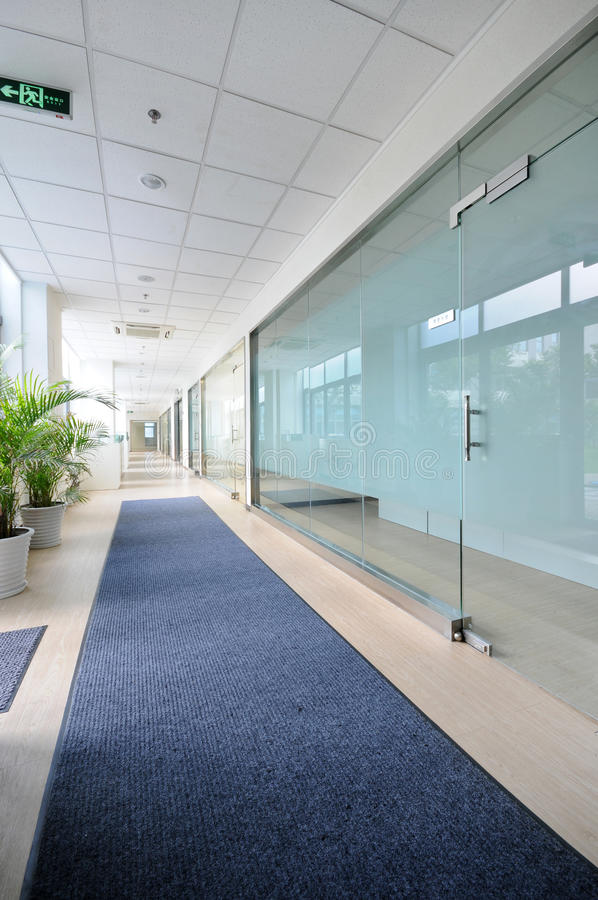 Free Empty Office Room Royalty Free Stock Image - 10252976