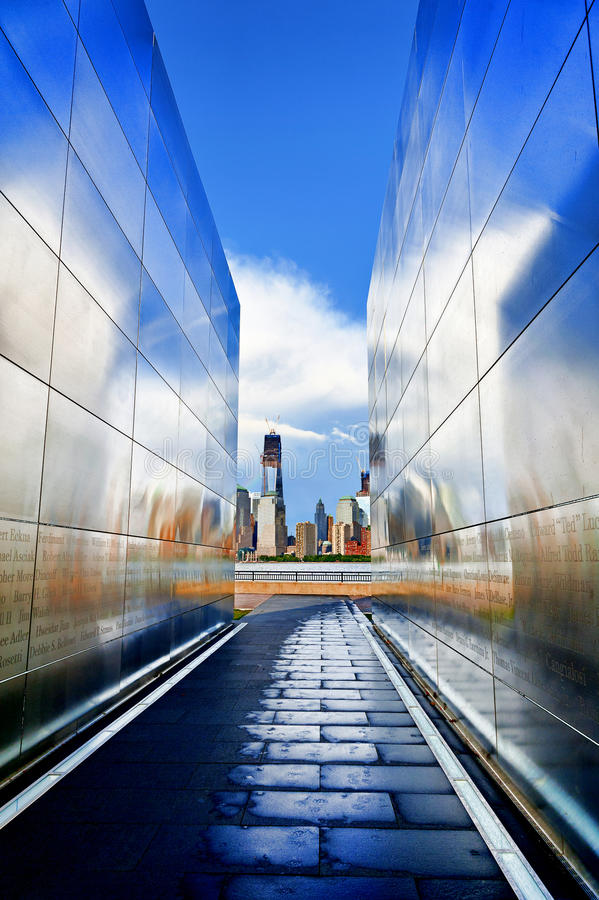 Free Empty Sky Memorial With World Trade Center S Freedom Tower Royalty Free Stock Image - 31783336