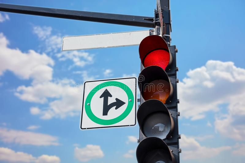 Empty street sign attached to a traffic light royalty free stock photos